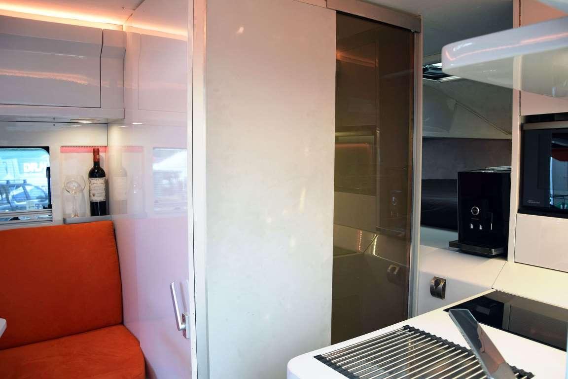 glamping vw amarok wohnkabine kora travel logbuch. Black Bedroom Furniture Sets. Home Design Ideas