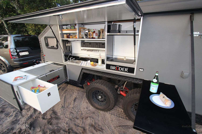 Outdoor Küche Camper : Der bruder exp hat eine indoor und outdoor küche mit zwei